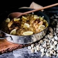 Gulasz z kurczaka i ryżu Djaj Fouq El-Eish
