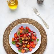 Wątróbka drobiowa z pomidorkami i granatem