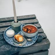 Zupa pomidorowa z fasolą i ciecierzycą