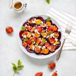 Sałatka z buraczków z pomidorkami, figami i fetą
