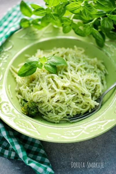 Makaron z pesto brokułowym – obiad za 5 zł