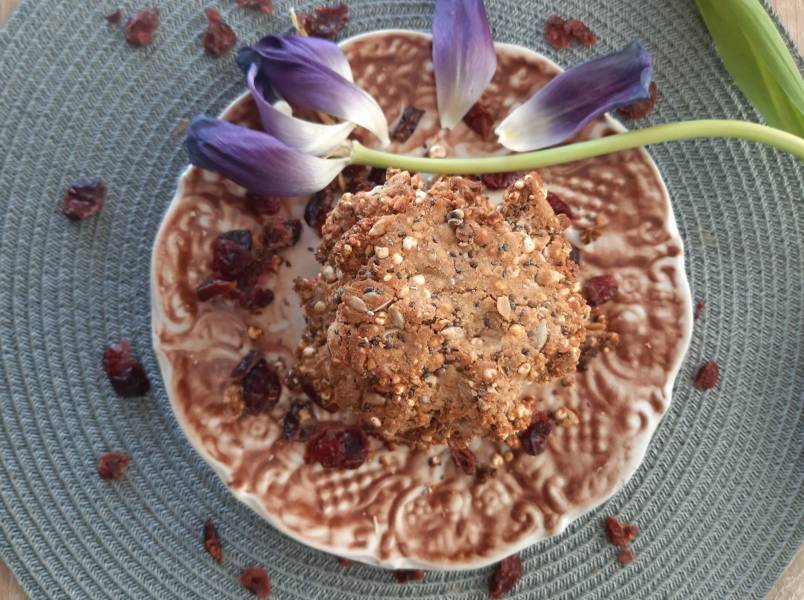 Ciasteczka z jagłami, chia na 2 masłach