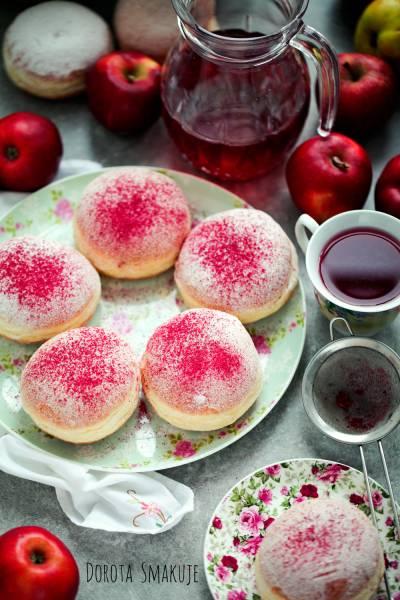 Pączki z pudrem różowym – przepis