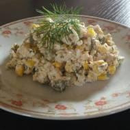 Sałatka z tuńczykiem i kukurydzą