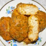 kotlety rybne z sosem pomidorowo-warzywnym...