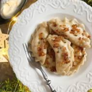 Pierogi ruskie z okrasą ze smażonej cebulki