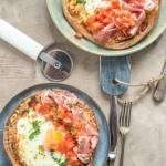 Szybka pizza z jajkiem