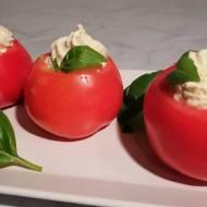 Pomidory faszerowane musem z kurczaka