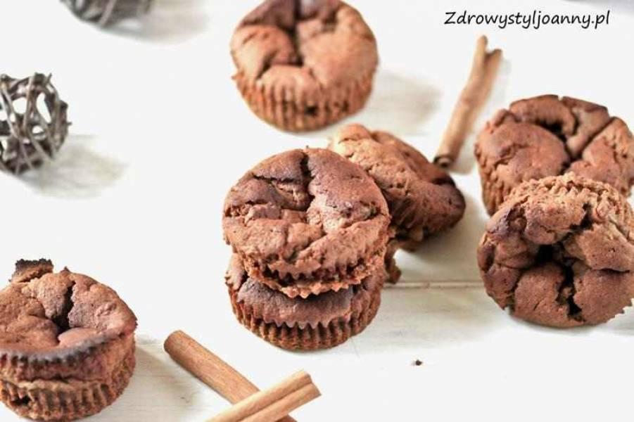 Muffinki jabłkowe z cynamonem.