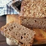 Chleb pszenno-razowy na miodzie