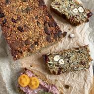 Chleb ziarnisty z żurawiną (bez mąki)