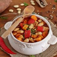 Fasolowa z batatem i pomidorami