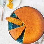Pomarańczowe ciasto z kaszki kukurydzianej z palonym masłem
