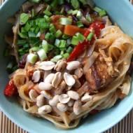 Prosty domowy Pad Thai z tofu