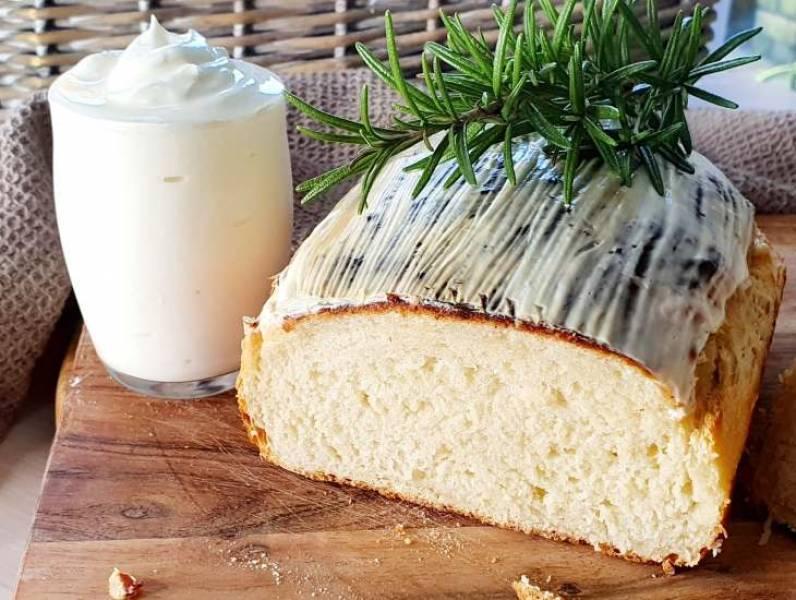 Chleb jogurtowy szybki i łatwy do zrobienia.