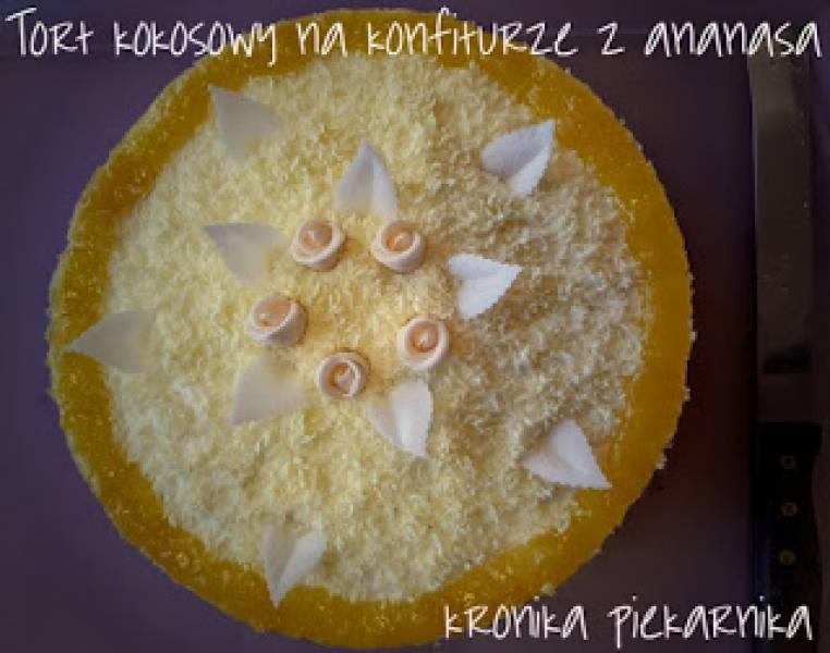Tort kokosowy na konfiturze z ananasa