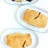 Roladki z ciasta francuskiego z mięsem mielonym
