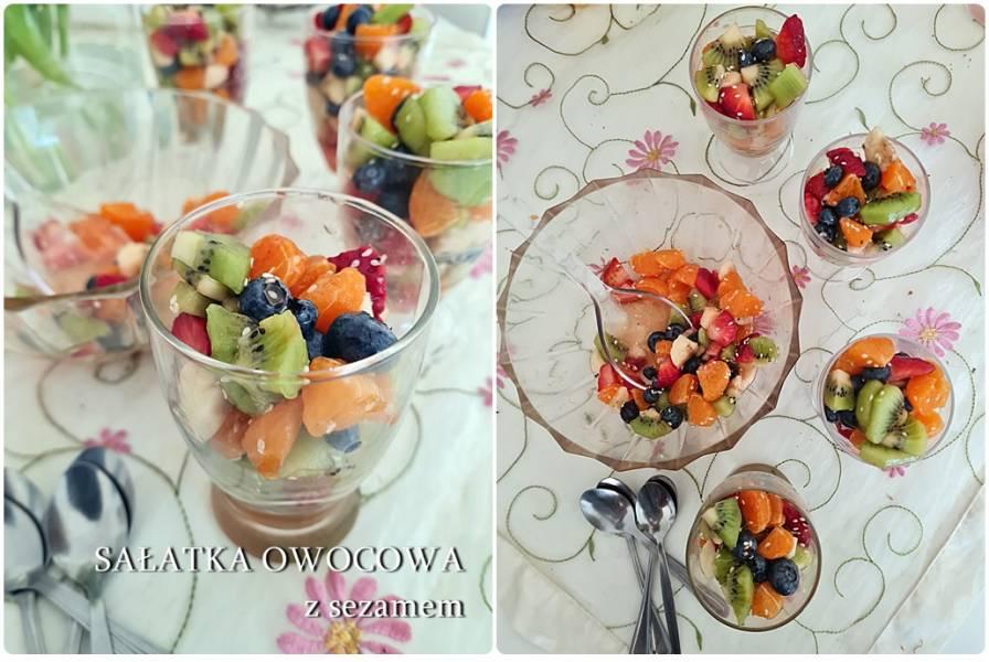 Kolorowa sałatka owocowa z sezamem
