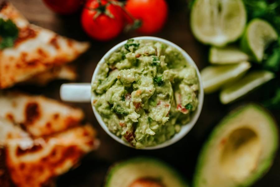 Guacamole z suszonymi pomidorami