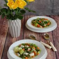 Zupa warzywna z kurczakiem, szparagami i fasolką