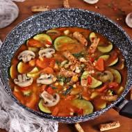 Kokosowa zupa curry z paluchami
