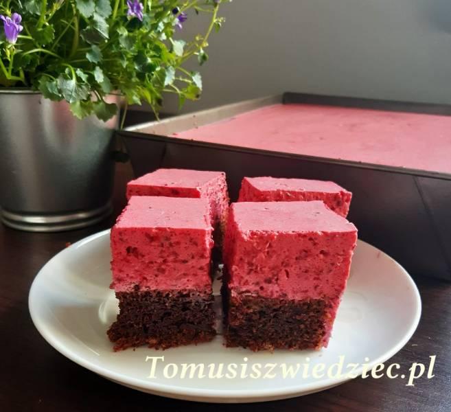 Ciasto czekoladowe z musem malinowo – jeżynowym