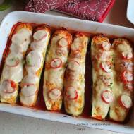 Cukinia faszerowana kurczakiem i kuskusem zapiekana z serami