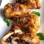 Udka kurczaka nadziewane chlebem i suszonymi śliwkami