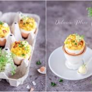 Jajka faszerowane bekonem i majonezem truflowym