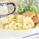 Sałatka jajeczna z groszkiem i kukurydzą