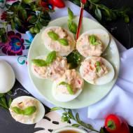 Jajka faszerowane papryką i szynką
