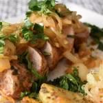 Polędwiczki w sosie cebulowym oraz co zrobić, aby więcej przy cebuli nie płakać