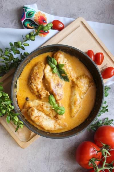 Polędwiczki z kurczaka w sosie serowym