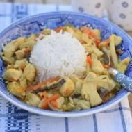 Curry z kurczakiem, mieszanką chińską i ryżem