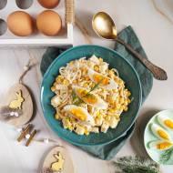 Wielkanocna sałatka z selerem i jajkami