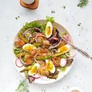 Sałatka z wędzonego łososia z jajkiem