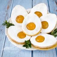 Wielkanocne ciastka jajeczka z dżemem morelowym