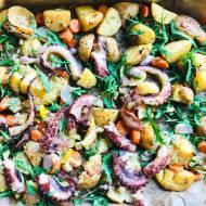 Pieczona ośmiornica z ziemniakami
