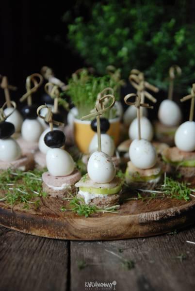 Koreczki z jajkami przepiórczymi