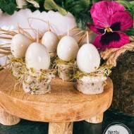 Wielkanocne koreczki z białek kiełbasy i przepiórczych jajek