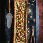 Krucha tarta z kremem pistacjowym i krówkowym