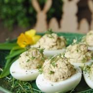 Jajka faszerowane szprotkami