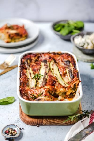 Wegetariańska lasagne z gorgonzolą i szpinakiem z porem