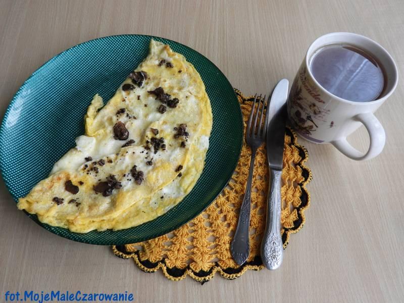 Omlet z czarną truflą - król omletów