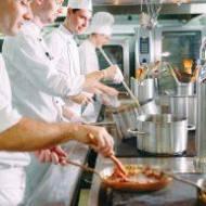 Współczesna mechanika w dziedzinie gastronomii – wsparcie czy wróg dla tradycyjnej pracy?