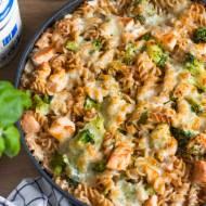 Zapiekanka z łososiem i brokułem
