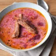 Zupa buraczkowa na żeberkach