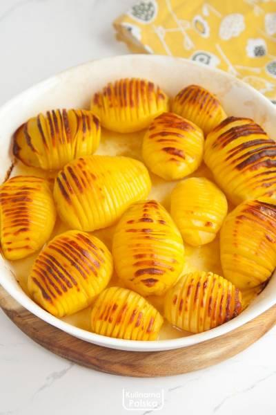 """Ziemniaki """"pszczółki"""" z piekarnika. Dzieci uwielbiają je najbardziej. PRZPEPIS"""