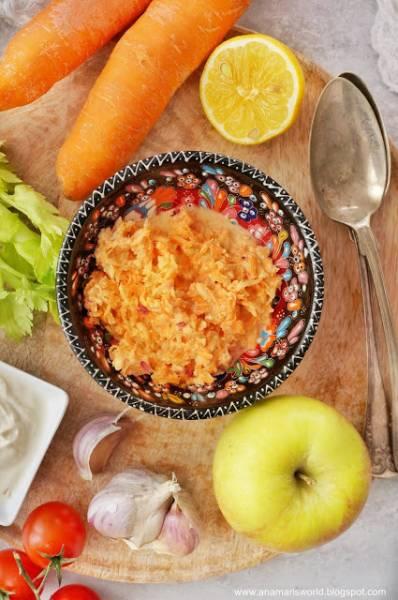 Surówka marchewka z selerem naciowym