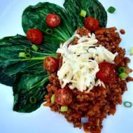 Kaszotto gryczane w sosie pomidorowym z bok choy – pyszny pomysł na kaszę gryczaną